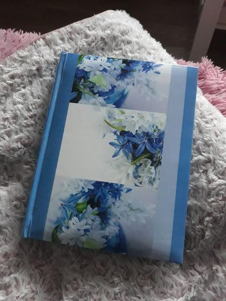 Album niebieski kwiaty