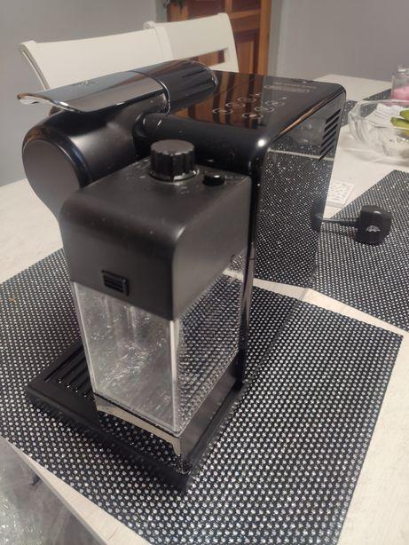 Ekspres ciśnieniowy De'Longhi Nespresso Lattissima Touch Super stan