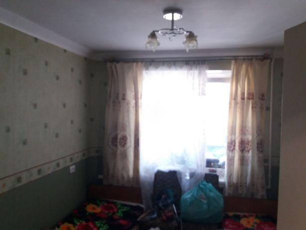 Трикімнатна квартира на Мотелі!