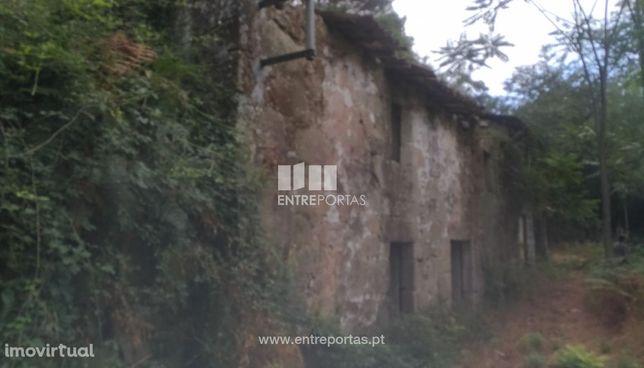 Venda de Quinta V2 para restauro, Caires, Amares