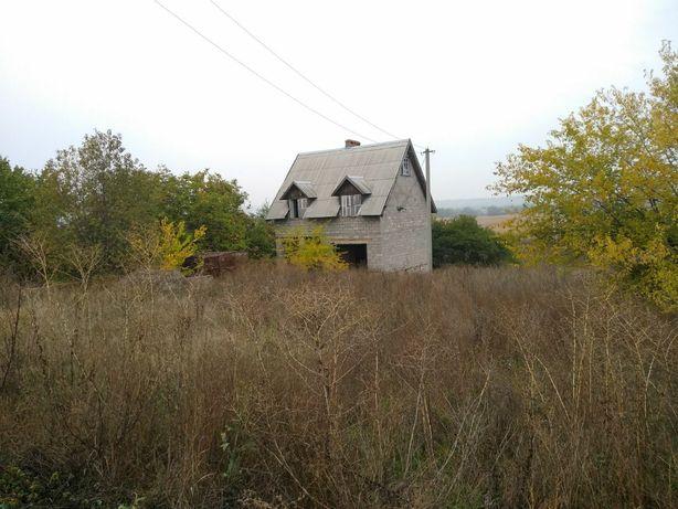 Добротный дом в районе подгороднего.