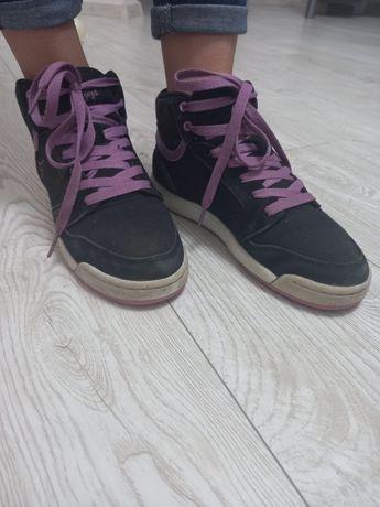 Продам кроси 37 розмір