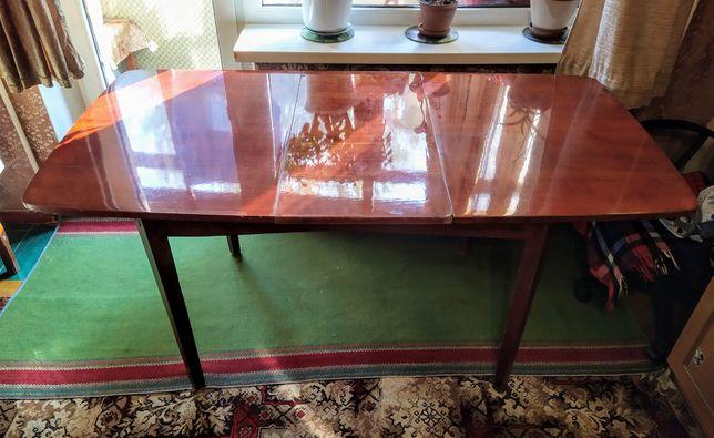 Стол деревянный раскладной. Большой стол.