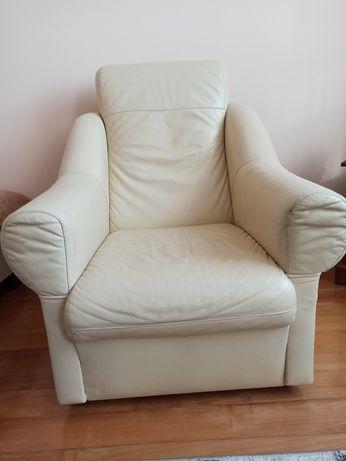 Jasny skórzany fotel