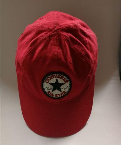 Oryginalne czapki z daszkiem