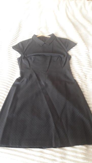 Sukienka czarna krótka litera A z kołnierzykiem Mohito rozm 38