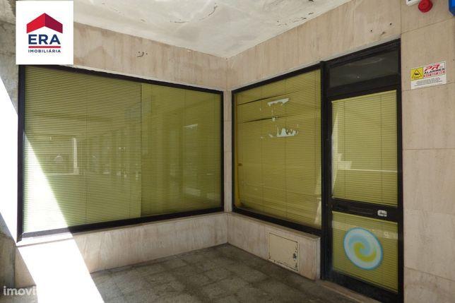 Loja para serviços / comércio em Vila das Aves