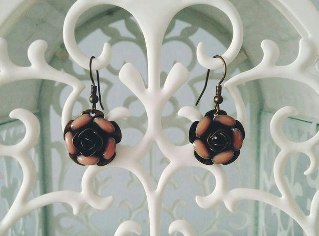 kolczyki wiszące róże Reserved vintage retro romantic
