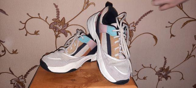 Кросовки для девочки  Zara , 37 размер