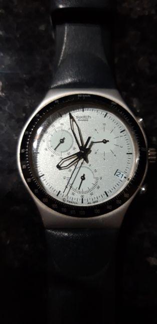 Relógio Swatch cronógrafo interior azul claro