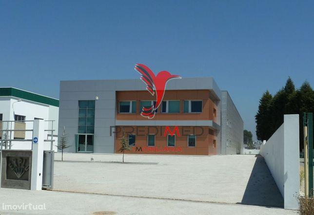 Armazém  na Zona Industrial de Albergaria a Velha