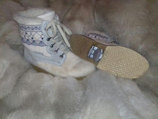 Фірмові зимові черевики