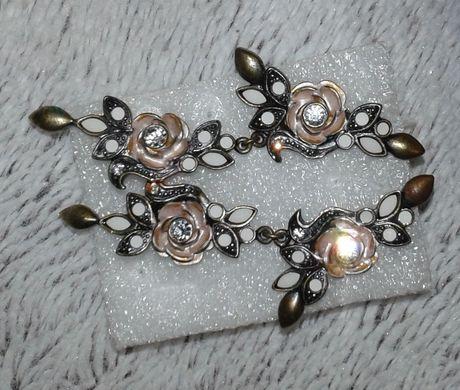 Kolczyki Do Uszu Róże w Stylu Vintage