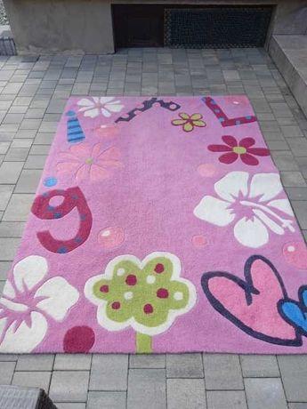 Sprzedam dywan dla dziewczynki