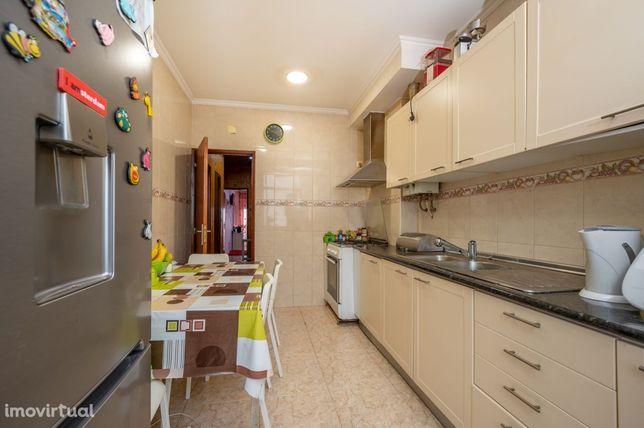 Apartamento T2 Forte da Casa