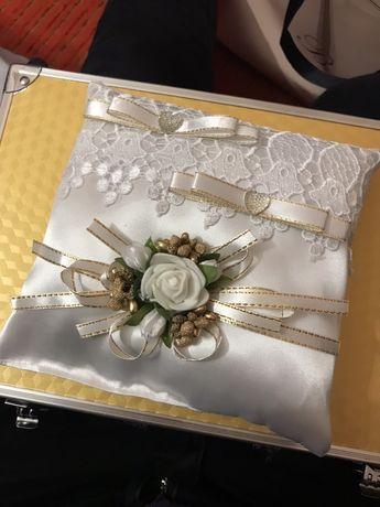 Подушка для весільних обручок