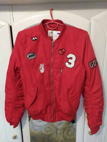 Куртка H&M нова.