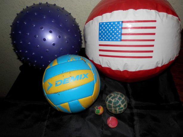 Мячи разные,  попрыгунчики. Для детей. Для игры на воде, во дворе.