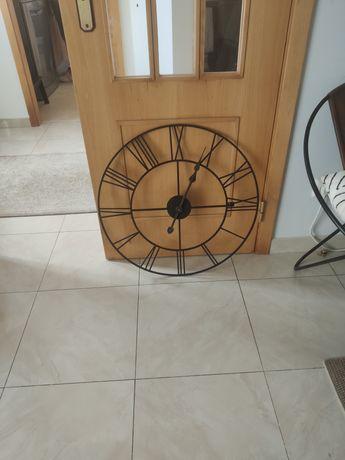 Relógio de Parede mais caixa para rolhas