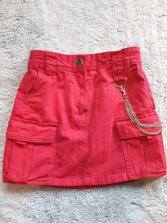 Bershka modna czerwona spódnica z łańcuchem