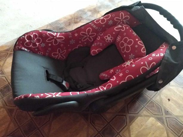 Fotelik samochodowy 0-13 kg-nosidełko