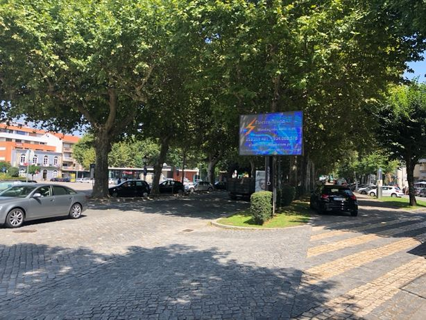 Anuncie em ecrans de led em Braga