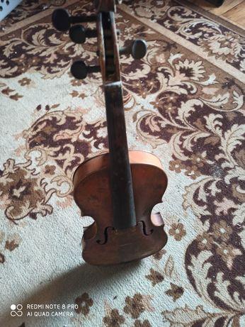 Stare skrzypce ze smyczkiem