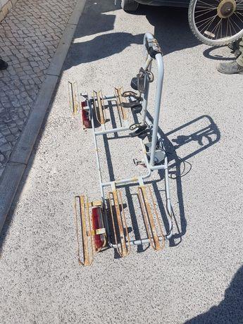 Atrelado para bicicletas