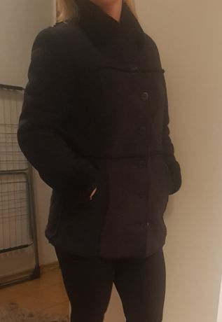 Kożuszek czarny, kurtka za guziki