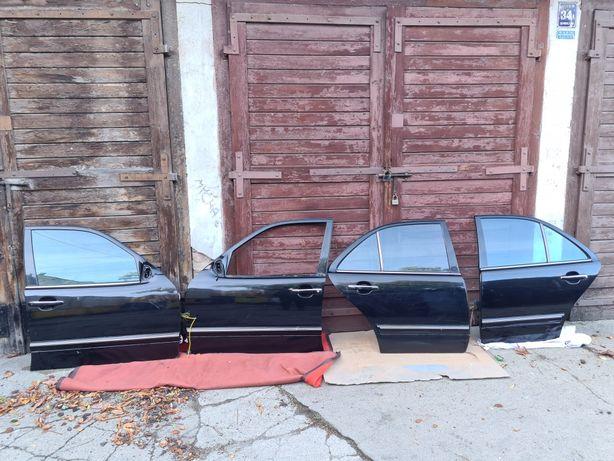 Drzwi 4szt. Czarne, Mercedes w210 okular 2000r