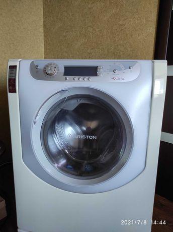 Продам Стиральную машину Ariston Aqualtis AQXD 129