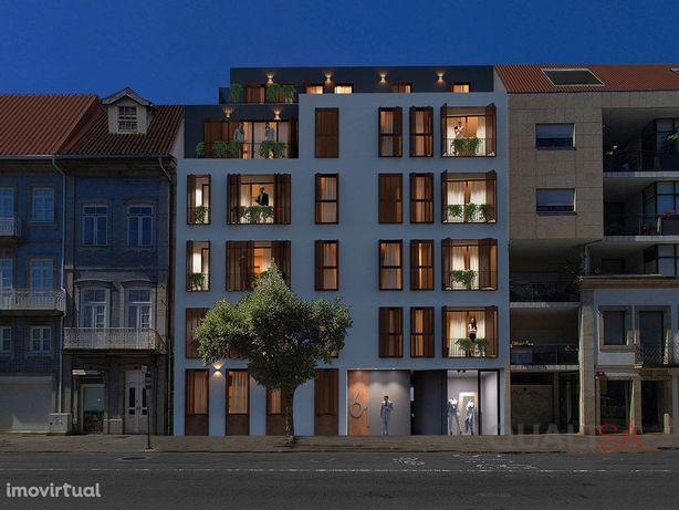 Apartamento T2+1 com varandas e garagem em prédio novo no...