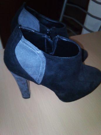 Sapatos em bom estado