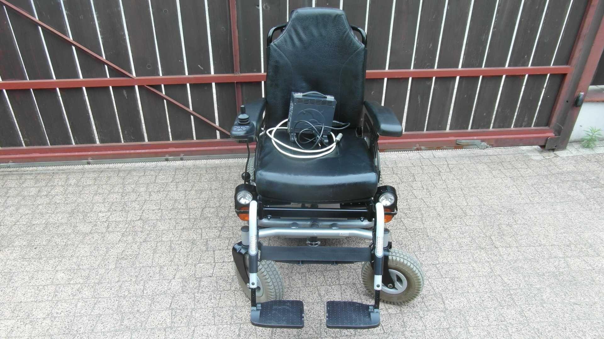 Wózek inwalidzki elektryczny Meyra Smart, 6 km/h, sprawne akumulatory
