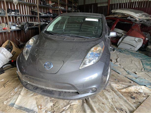 Разборка Nissan Leaf зеркало подрамник балка ляда фонарь дверь лючок