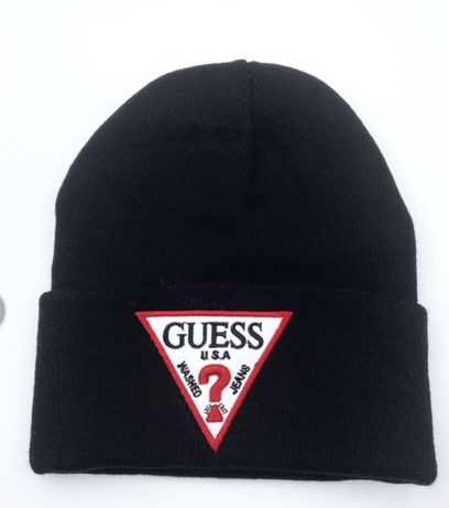 Czapka Guess czarna lub śmietankowa