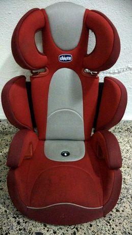 Cadeira auto Chicco adaptável a várias idades 15 a 36 kg