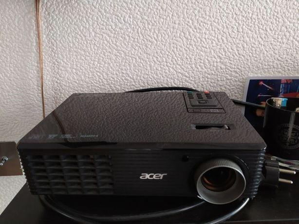 Sprzedam projektor Acer P1163 DLP