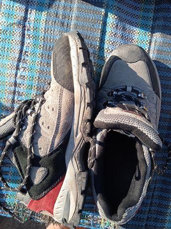 Кроссовки ботинки трекинговые Red
