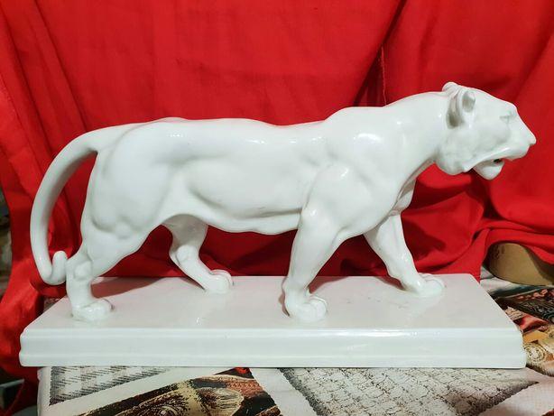 Антикварный фарфоровый тигр 1913г. KPM