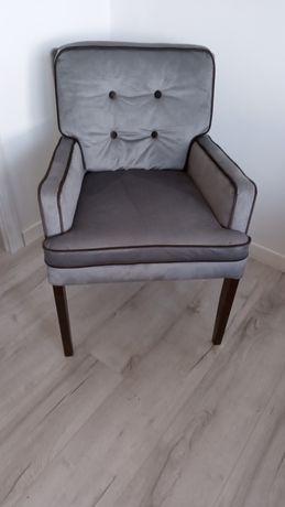 Fotel/krzesła, stół