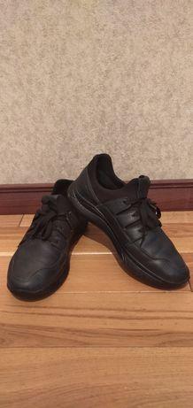 Кожаные кросовки фирмы Mida