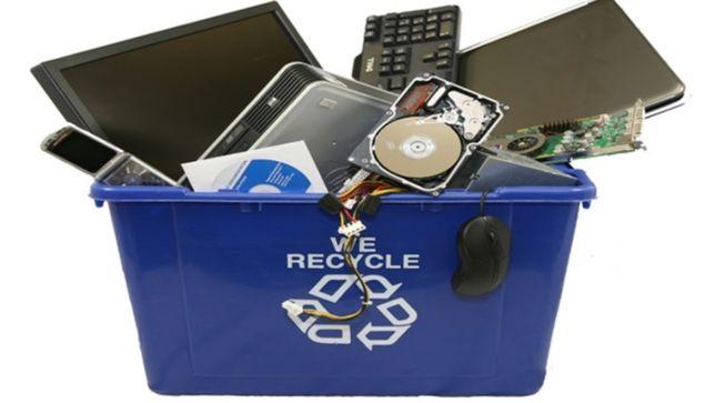 Recolha gratuita de material informático para reciclagem