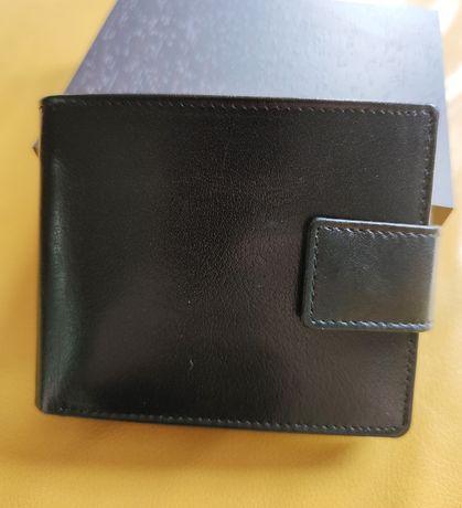 Sprzedam skórzany portfel polskiego producenta.