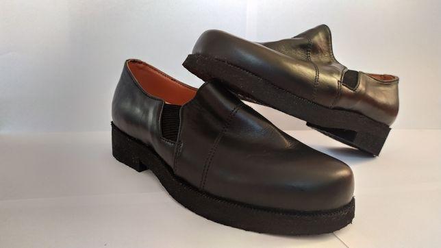 Стильне шкіряне взуття