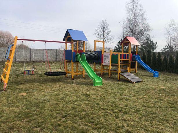 Plac zabaw Bursztynowy na publiczny i prywatny plac zabaw