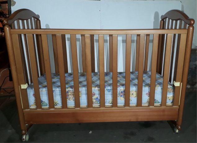 Детская кроватка-трансформер на колёсиках люлька Foppapedretti