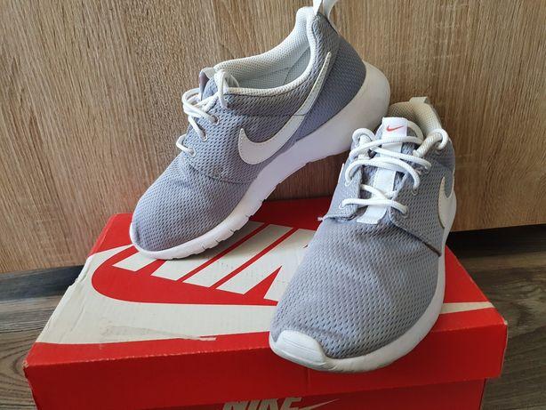 Szare buty Nike Roshe One 35.5