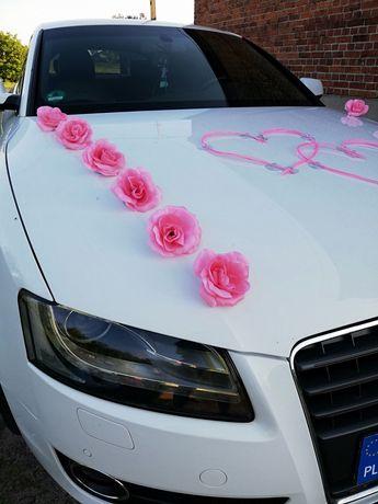 Dekoracje na auto ślubne