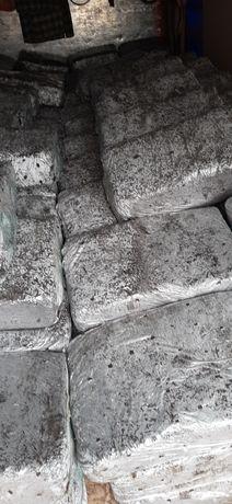 Грибний блок засіяний міцелієм для вирощування шампіньйона